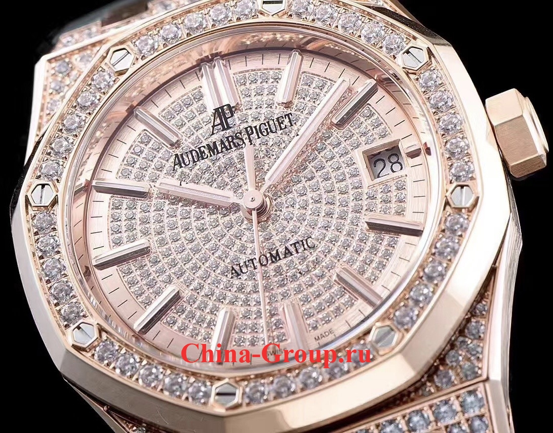 фото Часы реплика Audemars Piguet Diamond Royal Oak 15400 самые