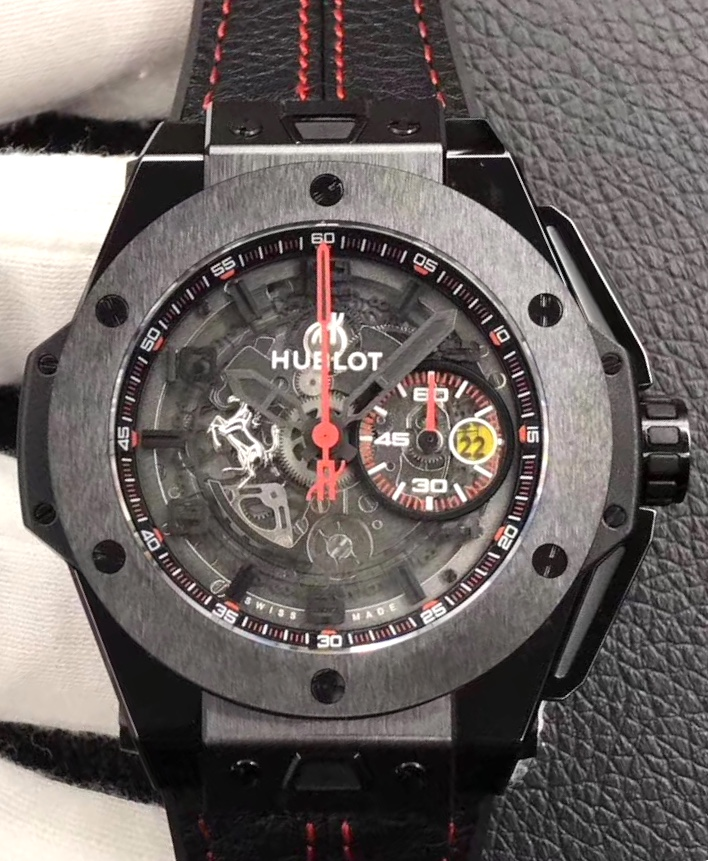 фото Hublot Big Bang UNICO Ferrari All Black Limited Edition 401.CX.0123.VR есть в стальном корпусе с чёрным PVD